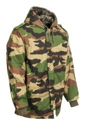 terepmintás katonai kapucnis kabát