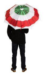 nemzeti színű esernyő